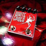 Devi Ever - White Spider